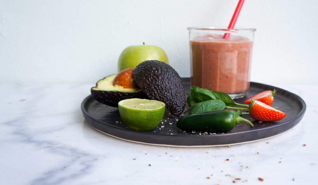 smoothie_strawberry_avocado_jalapenos_5_a_teaspoon_of_renate