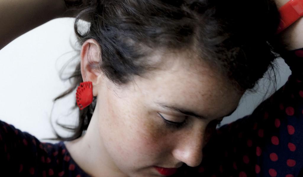 vintage_plastic_earrrings_ateaspoonofrenate.com